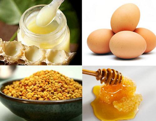Hỗn hợp mật ong và trứng gà không những làm sạch mụn mà còn giúp da trở nên sáng mịn hơn