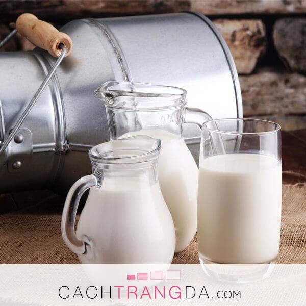 4 Cách làm kem tắm trắng hiệu quả tại nhà bằng sữa tươi, bôi là trắng