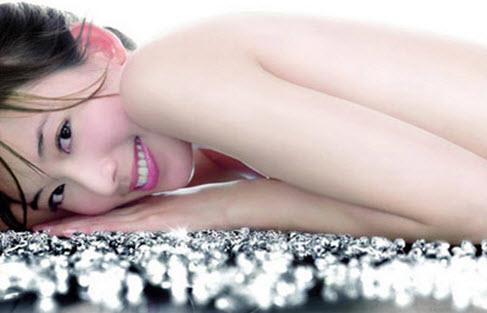 Một làn da trắng hồng và mịn màng giúp chị em trở nên quyến rũ hơn trong mắt cánh mày râu