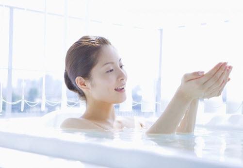 Vệ sinh, tắm rửa hàng ngày không thể loại bỏ được tất cả những tác nhân gây hại