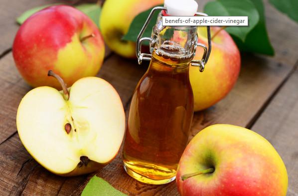 Cách trị mụn đầu đen hiệu quả từ giấm táo