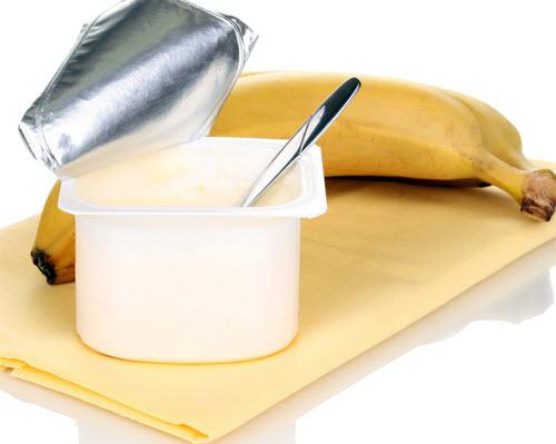Cách trị nám đơn giản, hiệu quả bằng Chuối và sữa chua
