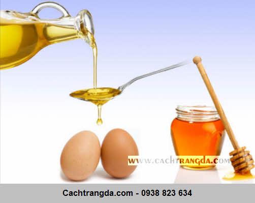 Trứng gà khi kết hợp với mật ong giúp làm chậm quá trình lão hoá da.