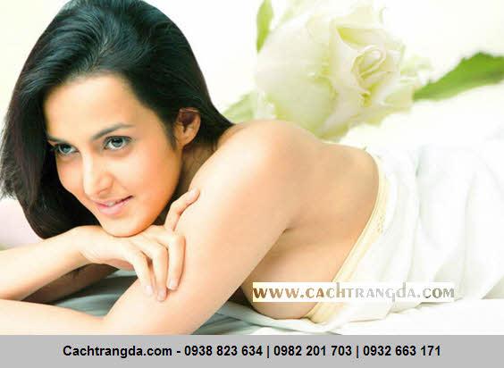 Làn da của bạn sẽ trở nên trắng sáng đầy quyến rũ khi tắm trắng với dầu oliu