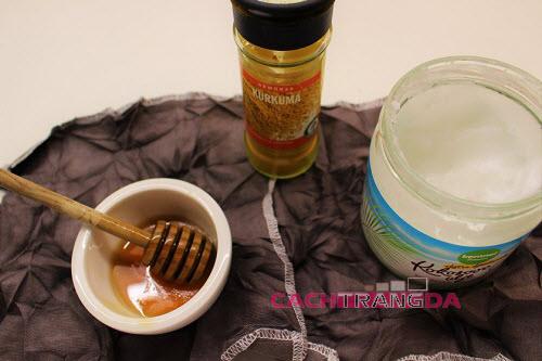 Hướng dẫn cách làm trắng da mặt bằng Dầu dừa và mật ong