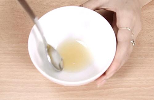 Cách làm trắng da mặt bằng chanh và mật ong