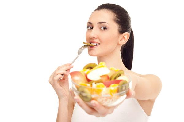 Chế độ ăn uống sinh hoạt khoa học giúp ngừa mụn