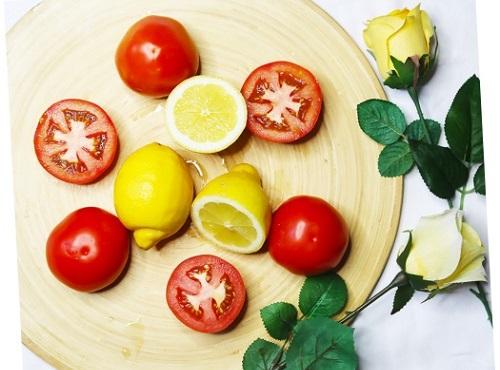 Cách chăm sóc da hiệu quả nhất bằng Cà chua và Chanh