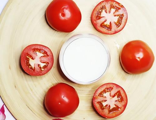 Cách chăm sóc da hiệu quả nhất bằng Cà chua và Mật ong