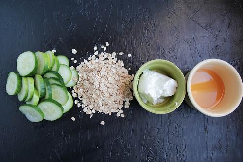 Cách chăm sóc da nhờn và mụn bằng Dưa leo + Sữa chua
