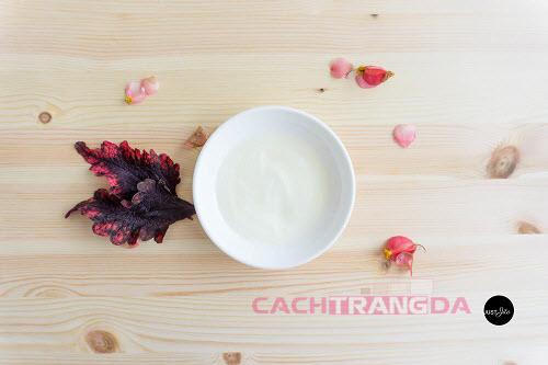 Cách dưỡng trắng da mặt tại nhà từ Sữa chua và Chanh