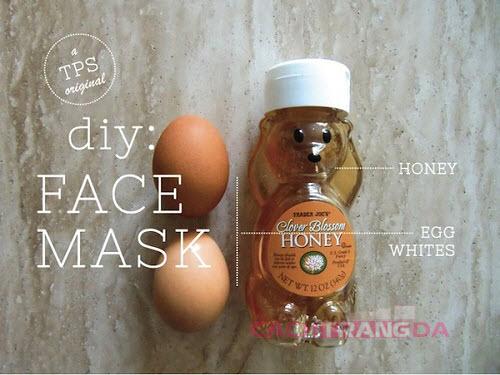 Cách dưỡng trắng da mặt tự nhiên từ Lòng trắng trứng và Mật ong