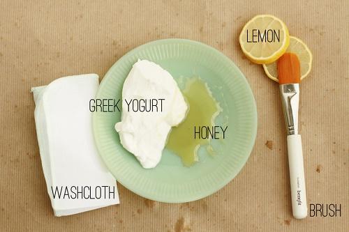 Các nguyên liệu cần thiết khi thực hiện cách dưỡng trắng da mặt từ Sữa chua