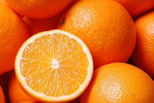 Cam không chỉ bổ dưỡng mà còn cung cấp nhiều vitamin cho da