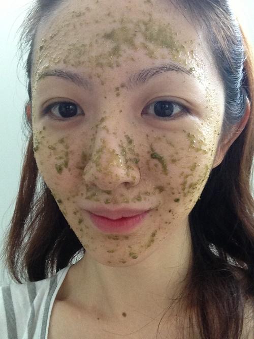 Hướng dẫn cách làm mặt nạ dưỡng da, trị mụn từ Bột trà xanh