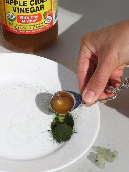 Cách làm mặt nạ trị nám da tại nhà bằng giấm táo và tảo xoắn