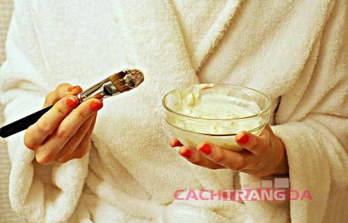 Cách làm trắng da mặt tại nhà bằng Sữa Chua