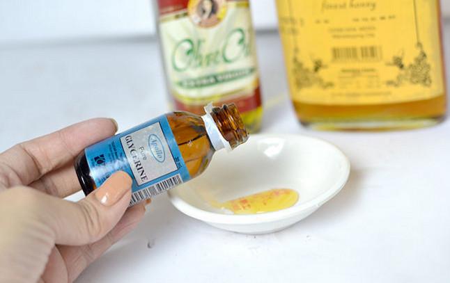 Cách xóa nếp nhăn từ hổn hợp mật ong, Glycerine và dầu olive