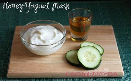 Mặt nạ dưỡng trắng da trị mụn từ Dưa leo và sữa chua